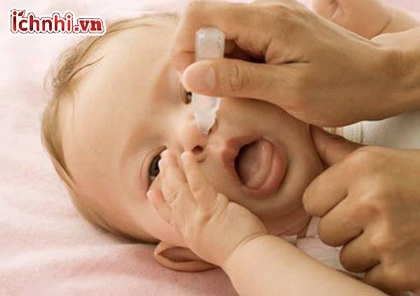 +5 Cách trị nghẹt mũi cho bé tại nhà nhanh nhất, mẹ nên biết1