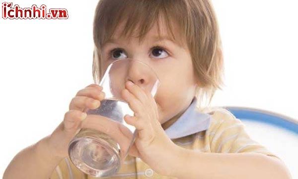 +5 Cách trị nghẹt mũi cho bé tại nhà nhanh nhất, mẹ nên biết3