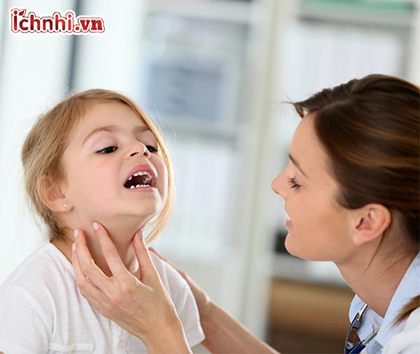 2.Những triệu chứng viêm họng ở trẻ em
