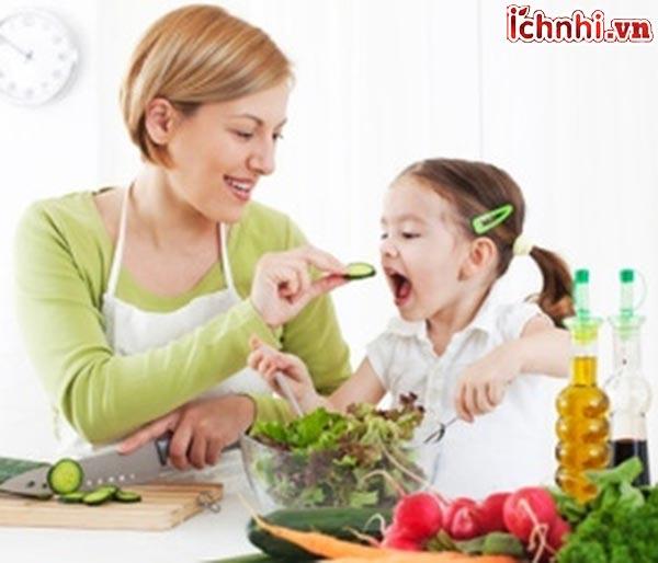 6. Bé bị viêm họng nên ăn gì?