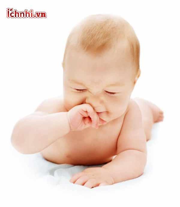 trẻ 6 tháng tuổi bị sổ mũi