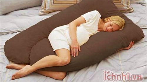 Kê gối cao khi ngủ