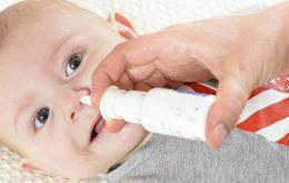 Phương pháp xử lý đúng cách khi bé sơ sinh bị hắt hơi sổ mũi