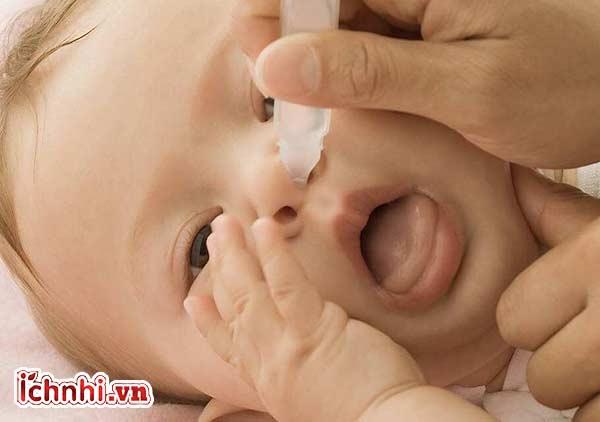 Có nên hút mũi cho trẻ sơ sinh? +Cách hút mũi đúng cách2