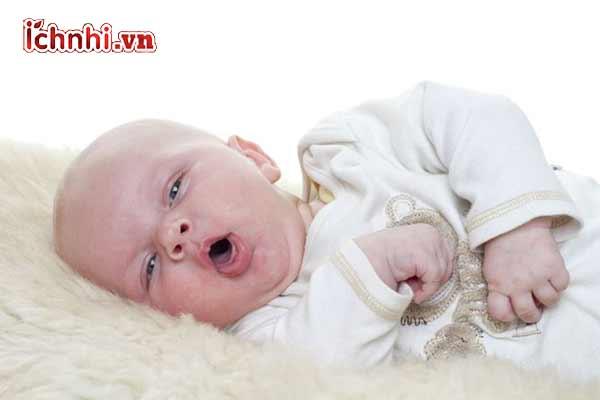 Trẻ sơ sinh bị ngạt mũi có được tắm không?3