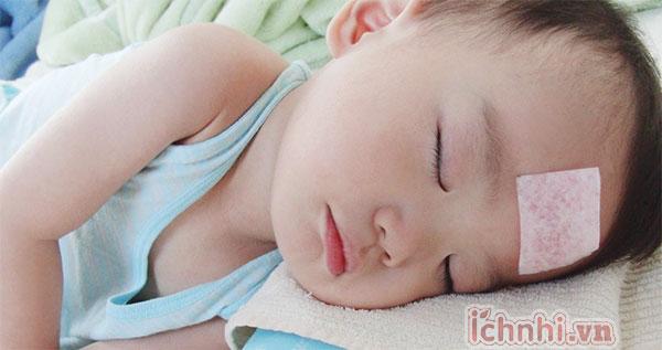 Bệnh viêm phế quản ở trẻ sơ sinh: Ba mẹ không nên coi thường!1