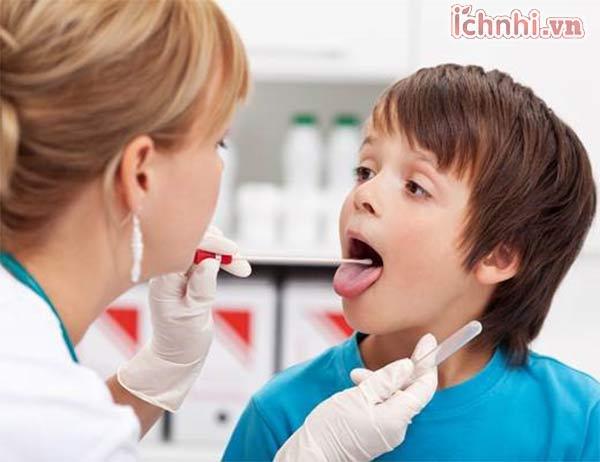 3. Cha mẹ cần chăm sóc trẻ bị viêm amidan cấp như thế nào?