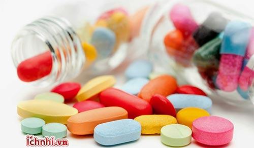 2. Cha mẹ cần hiểu đúng về kháng sinh điều trị ho - cảm - sổ mũi cho trẻ