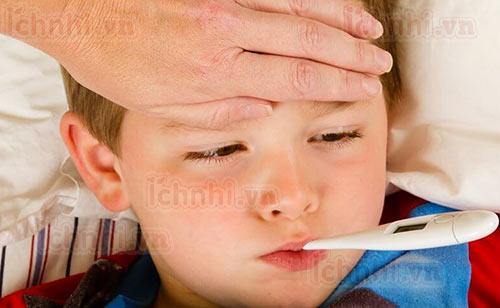 Trẻ bị sốt viêm họng phải làm sao? +Cách chăm sóc hiệu quả1
