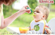 Trẻ bị viêm phổi nên ăn gì và kiêng gì1