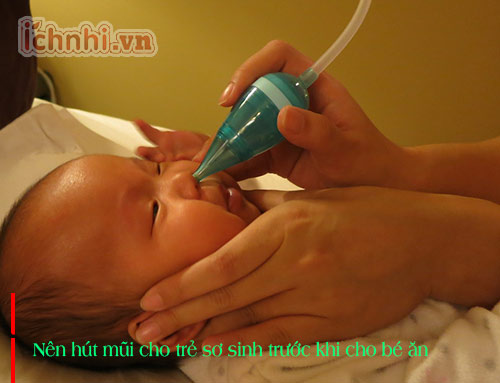 Hút mũi cho trẻ sơ sinh