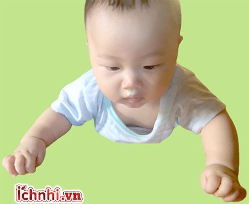 Trẻ bị sổ mũi xanh phải làm sao? Nguyên nhân & cách điều trị