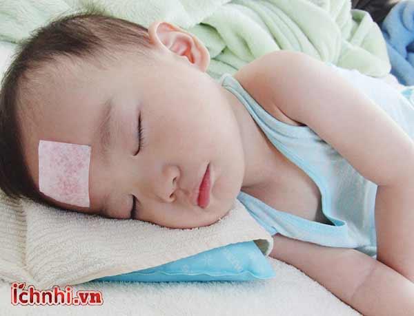 +3 bí quyết phòng cảm cúm cho bé khi thay đổi thời tiết1