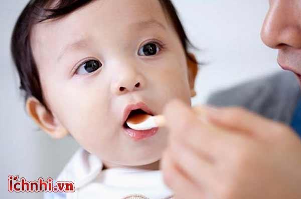 +3 bí quyết phòng cảm cúm cho bé khi thay đổi thời tiết2