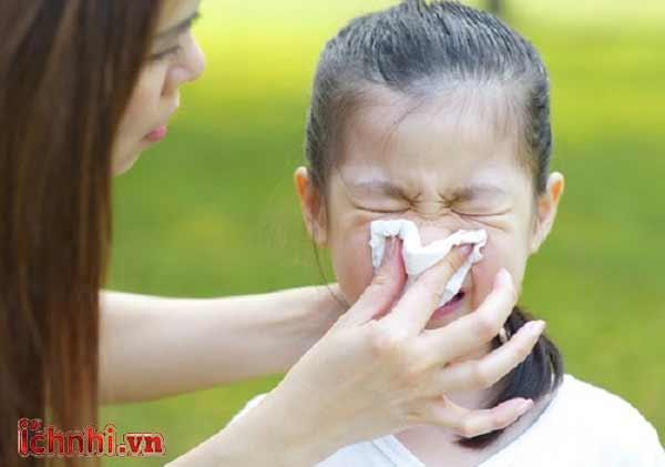 6 bí quyết giúp mẹ không lo trẻ bị ho khi thời tiết giao mùa