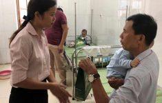 Ích Nhi trao 200 suất quà cho các bé điều trị tại Bệnh viện Đa khoa Hà Đông3