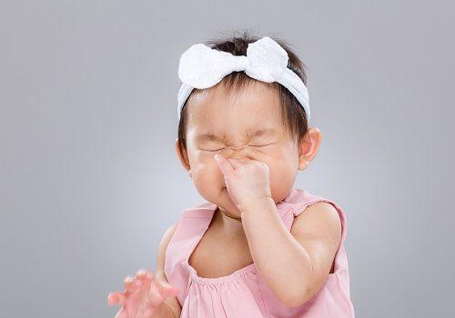 Trẻ sơ sinh bị ngạt mũi về đêm phải làm sao?4 Cách chữa trị