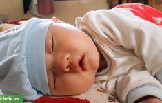 Trẻ sơ sinh thở khò khè là bị sao? Bị bệnh gì? +Cách xử trí
