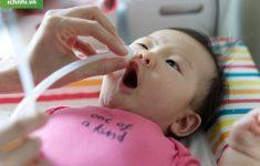 Những lưu ý bố mẹ cần biết trong cách điều trị sổ mũi cho trẻ sơ sinh2