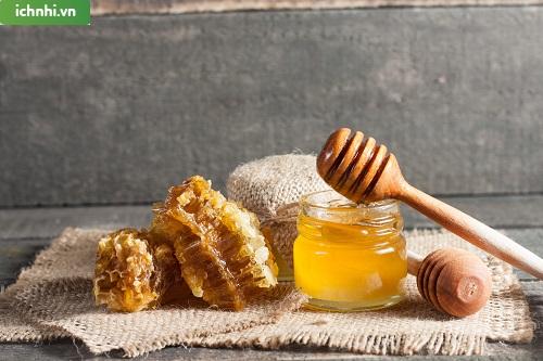 1. Công dụng của mật ong trong việc trị sổ mũi