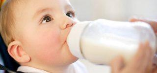 Trẻ sơ sinh bị ho mẹ nên cho bé uống gì nhanh khỏi!
