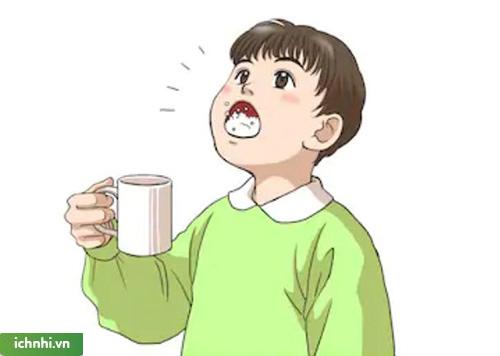 Một số cách xử trí đơn giản, hiệu quả khi trẻ nhỏ bị nhiệt miệng.