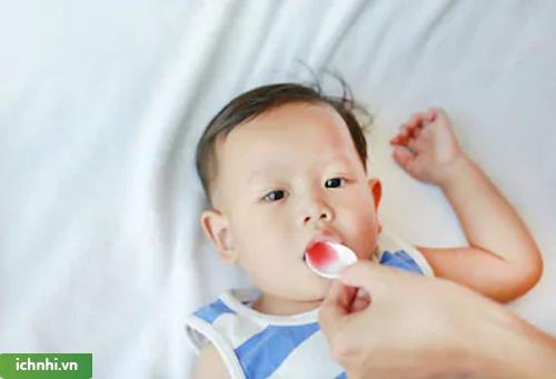 Những lợi ích của việc sử dụng siro ho với trẻ nhỏ