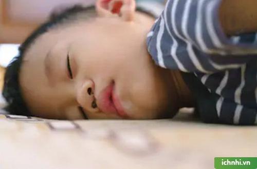 Nghẹt mũi có tác động như thế nào đến sức khỏe của trẻ